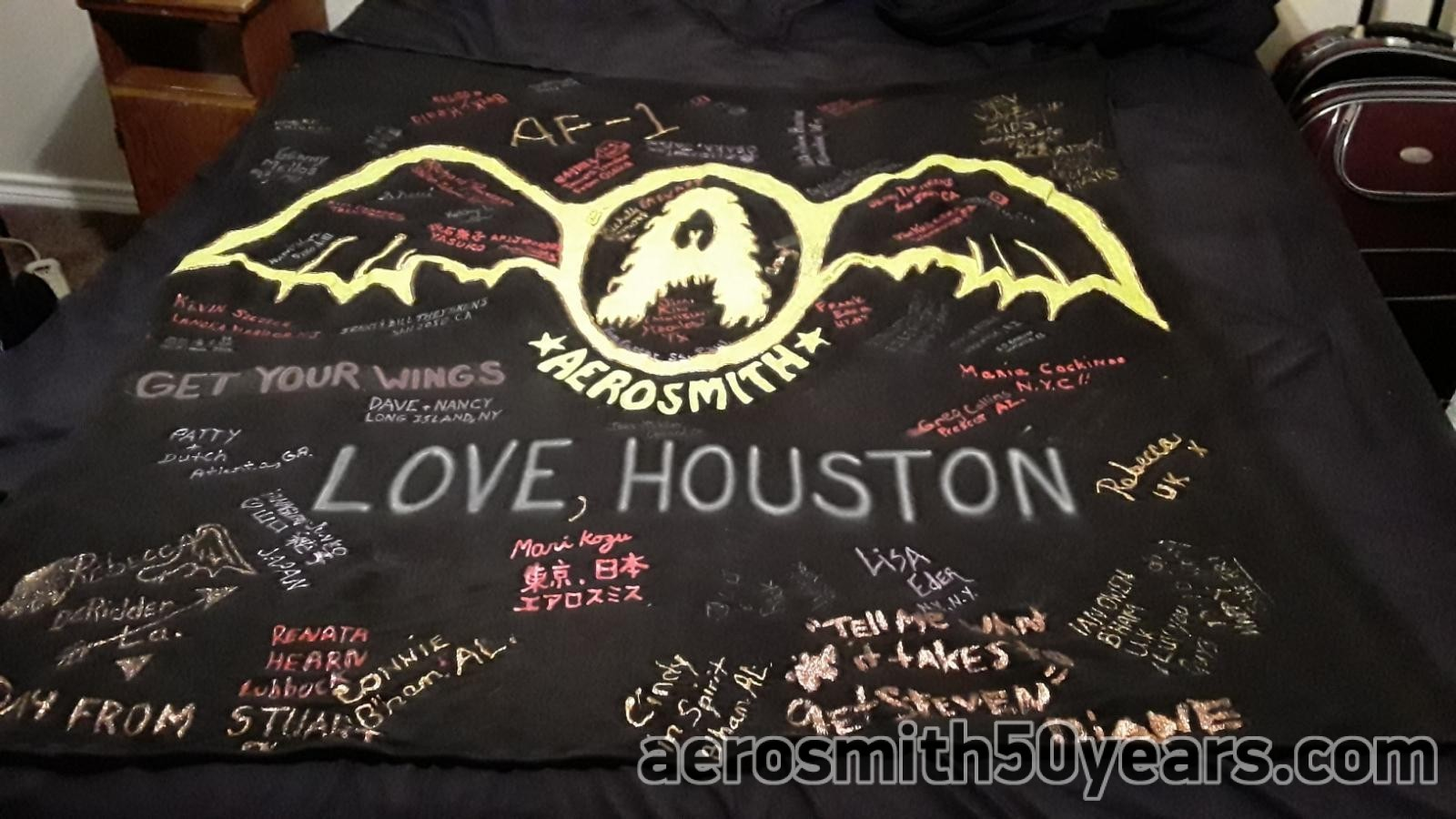 Houston, TX Banner Signed With Love From AF-1 Fans On The 1994 West Coast Travel Package. Aerosmith Or Bust! (Thanks To Long Time Fan And Friend Mike Sousa For Sharing It!)